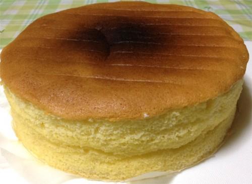 厚さ6cmのスポンジケーキ