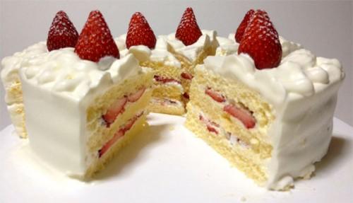 クリスマスケーキを切り分けました