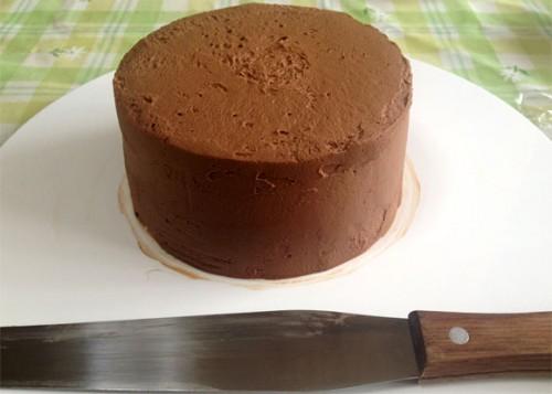 チョコレートクリームの下塗り
