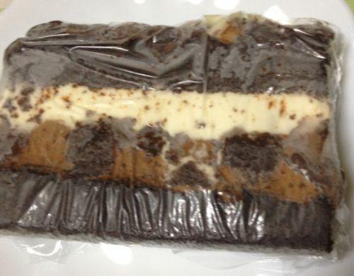 冷凍しておいたタキシードケーキ