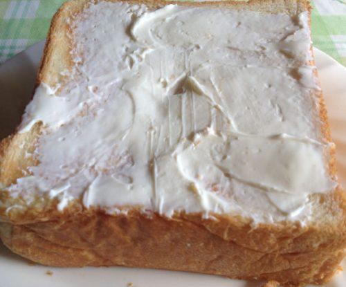 朝食や昼食のバター代わりに使えるkiri クリームチーズ