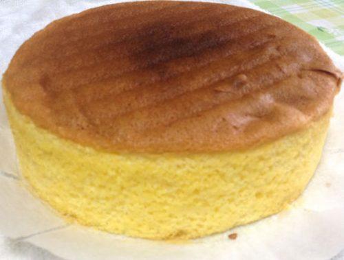 完成したスポンジケーキ